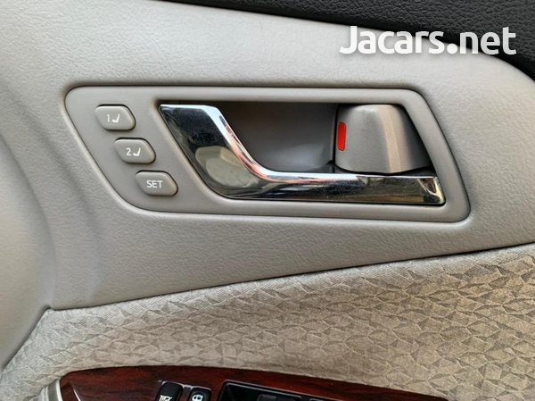 Toyota Crown 3,0L 2012-11