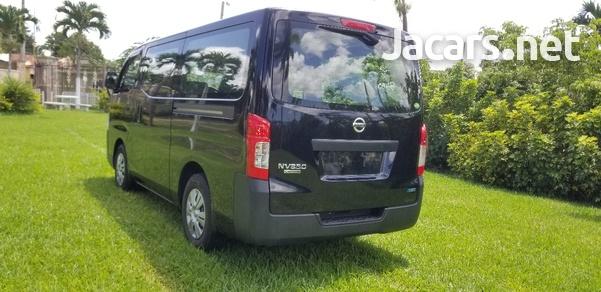 Nissan Caravan 2,5L 2015-7