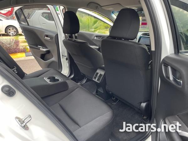Honda Grace 1,5L 2015-11