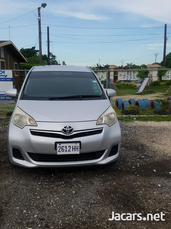 Toyota Ractis 1,5L 2011-1