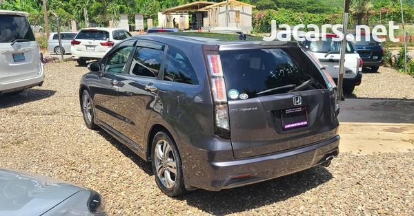 Honda Stream 2,0L 2014-5
