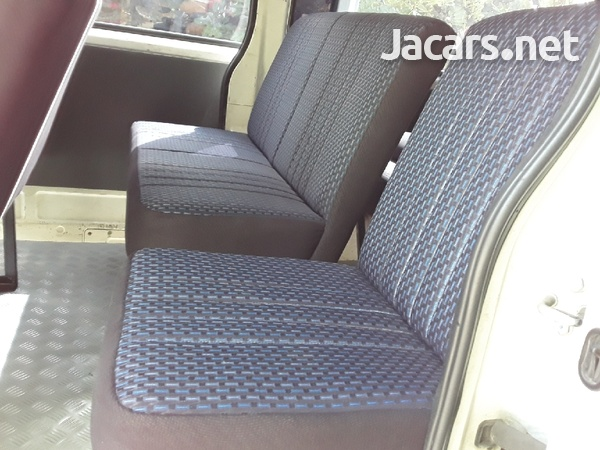 BUS SEATS WITH A DIFFRENCE FOR HIACE AND NISSAN CARRAVAN