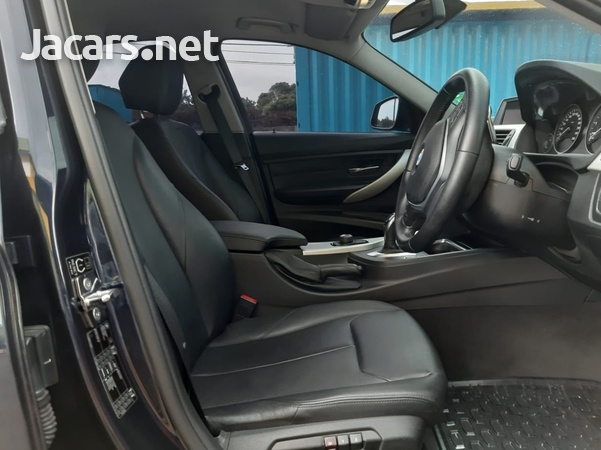 BMW 3-Series 1,9L 2013-7