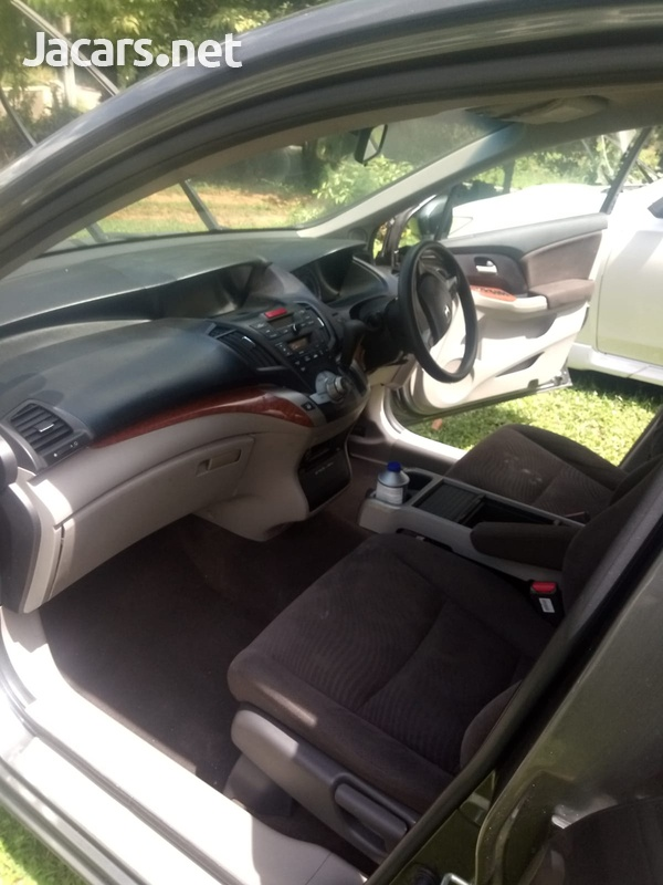Honda Odyssey 1,8L 2010-3