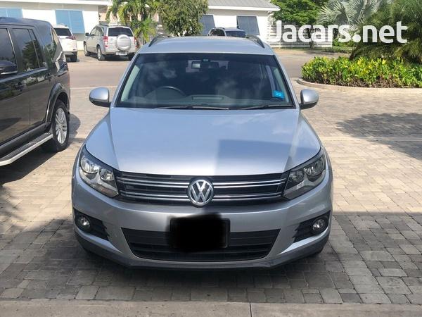 Volkswagen Tiguan 2,5L 2016-1