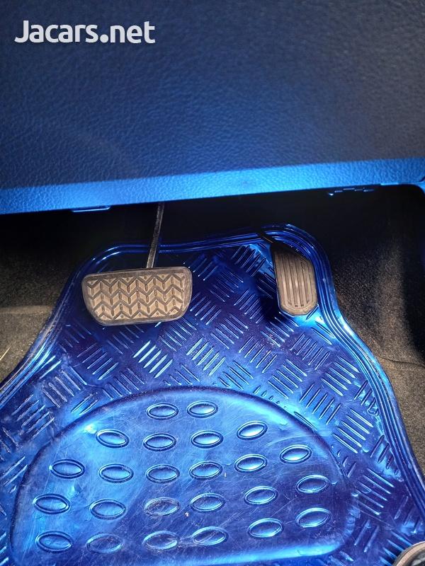 Toyota Vitz 0,9L 2015-5