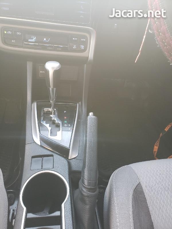 Toyota Corolla 1,6L 2019-8