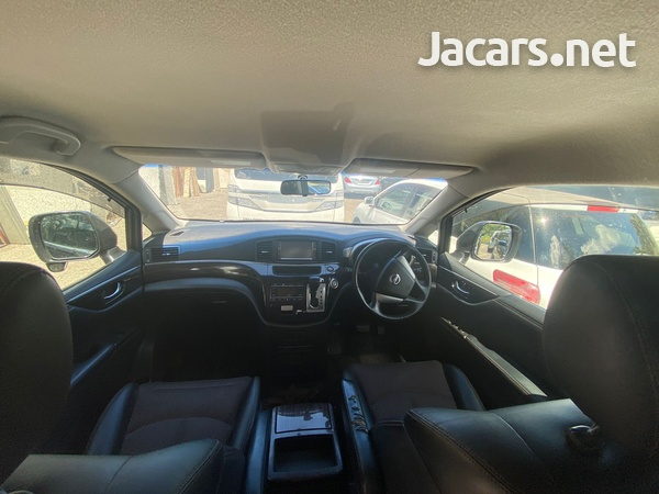 Nissan Elgrand 2,0L 2013-4