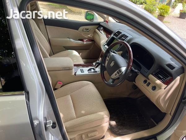 Toyota Crown 2,5L 2012-6