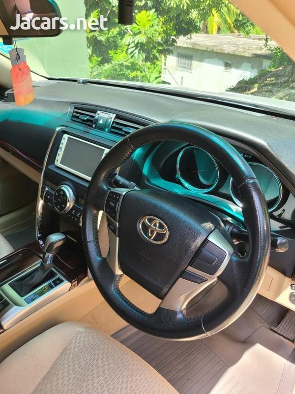 Toyota Mark X 2,5L 2012-4