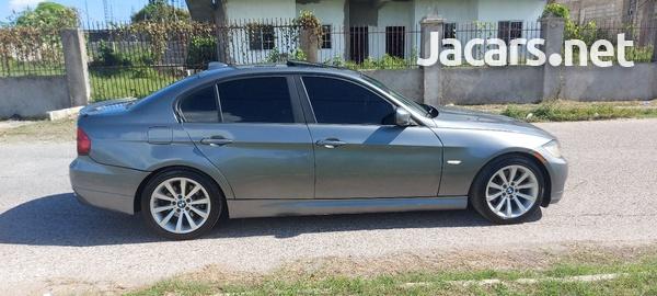 BMW 3-Series 3,0L 2011-8