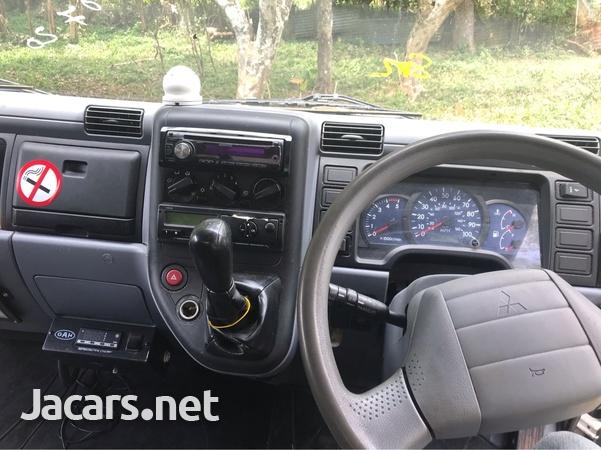 2011 Mitsubishi Fuso Truck-3