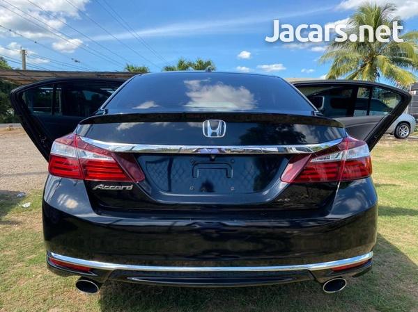 Honda Accord 2,4L 2017-4
