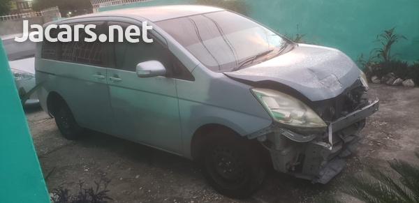 Toyota Isis 1,7 L 2010-4