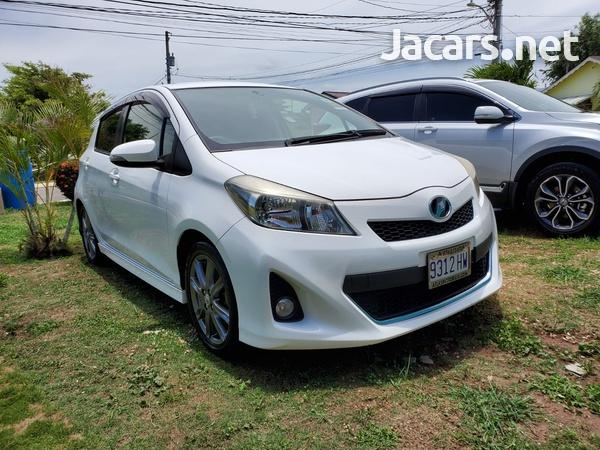 Toyota Vitz 1,5L 2013-1