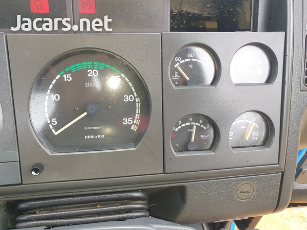 Ford iveco fleat bed-2
