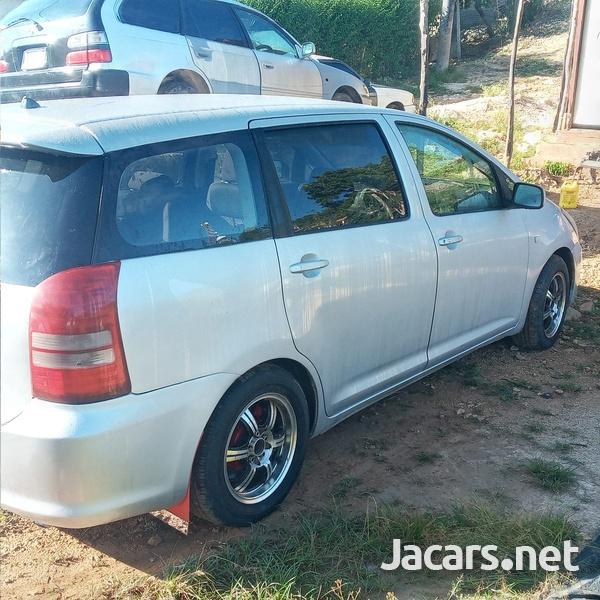 Toyota Wish 2,0L 2005-3