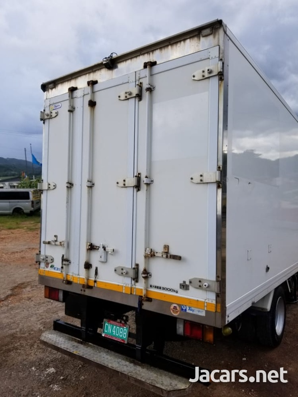 2013 Isuzu Box Truck-3