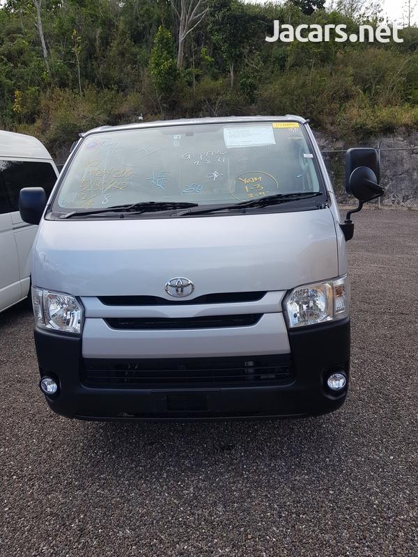Toyota Hiace Bus 2,0L 2017-1