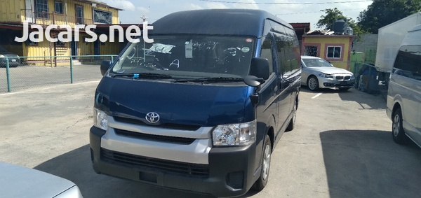 Toyota Hiace 2,4L 2014-3