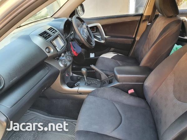 Toyota RAV4 2,4L 2013-5