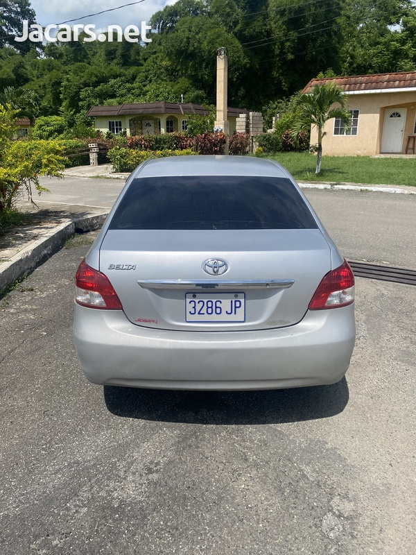 Toyota Belta 1,3L 2009-3