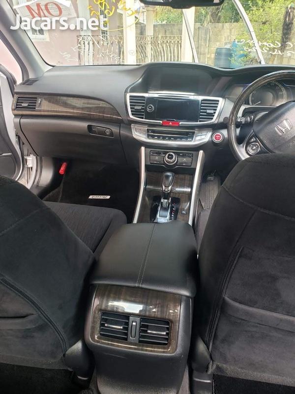 Honda Accord 2,0L 2014-6