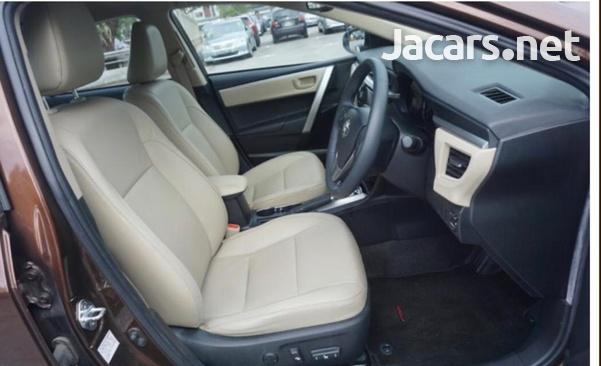 Toyota Corolla Altis 1,6L 2015-6