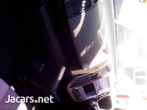 Nissan Serena 2,0L 2007-7