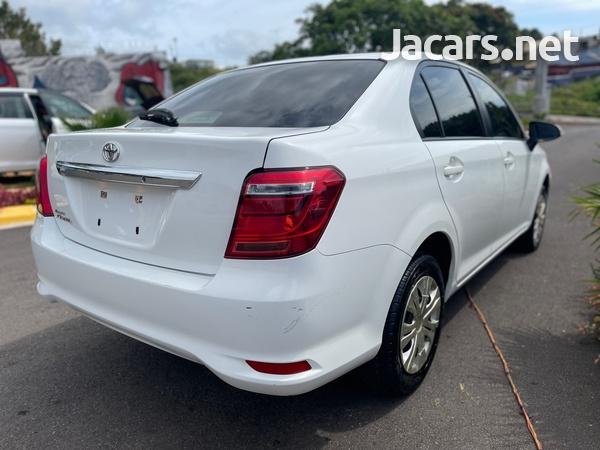 Toyota Axio 1,5L 2015-6