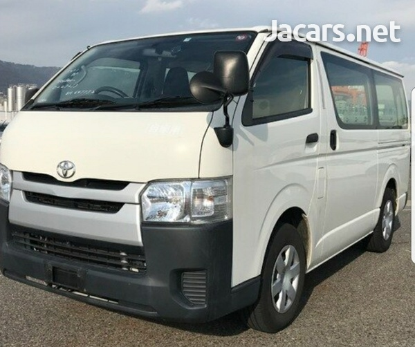 2015 Toyota Hiace Bus-3