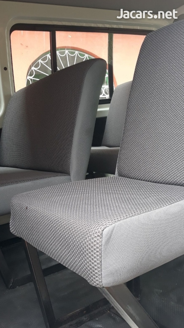 BUS SEATS WITH COMFORT AND STYLE.CONTACT 8762921460-13