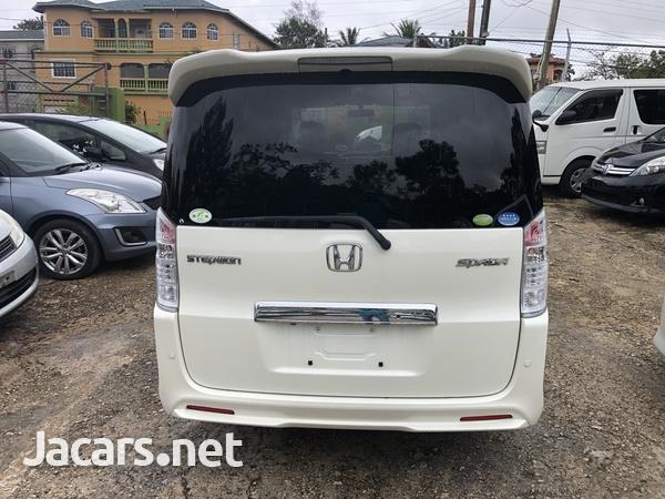 Honda Step wagon 2,0L 2011-5