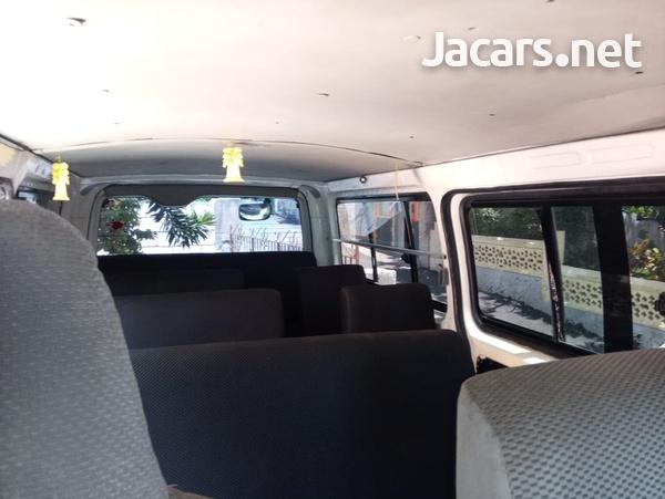 2006 Toyota Hiace Bus-7