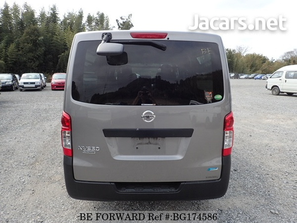 Nissan Caravan 2,5L 2014-4