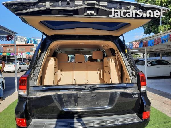 Toyota Land Cruiser 2,5L 2016-8