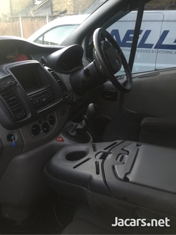 Vauxhall Vivaro 2013-5