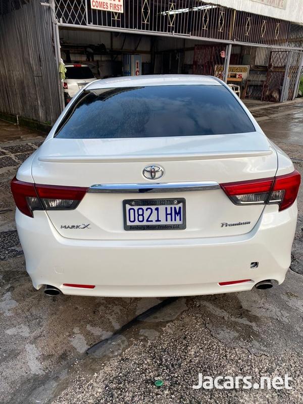 Toyota Mark X 2,5L 2013-3