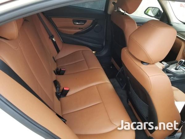 BMW 3-Series 3,0L 2015-7