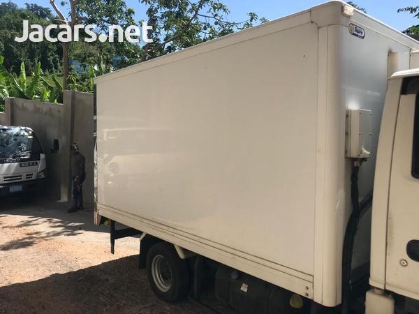 2012 Isuzuz Box Truck-4