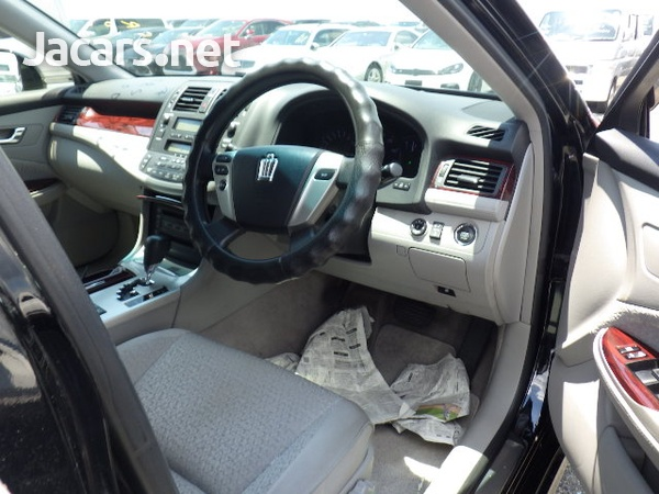 Toyota Crown 2,5L 2012-9