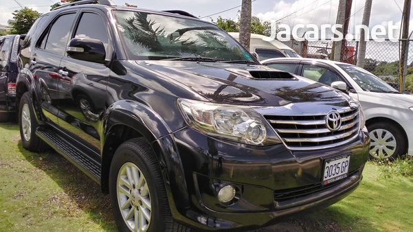 Toyota Fortuner 2,7L 2014-1