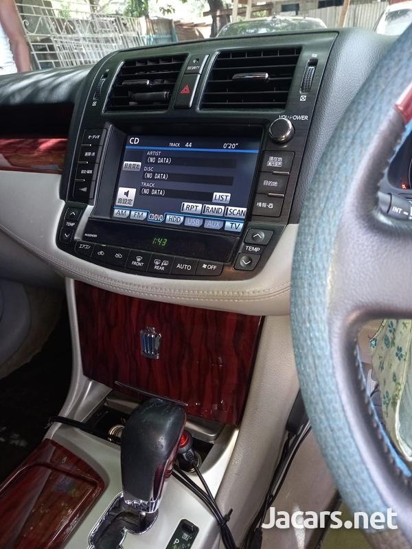 Toyota Crown 3,0L 2012-10
