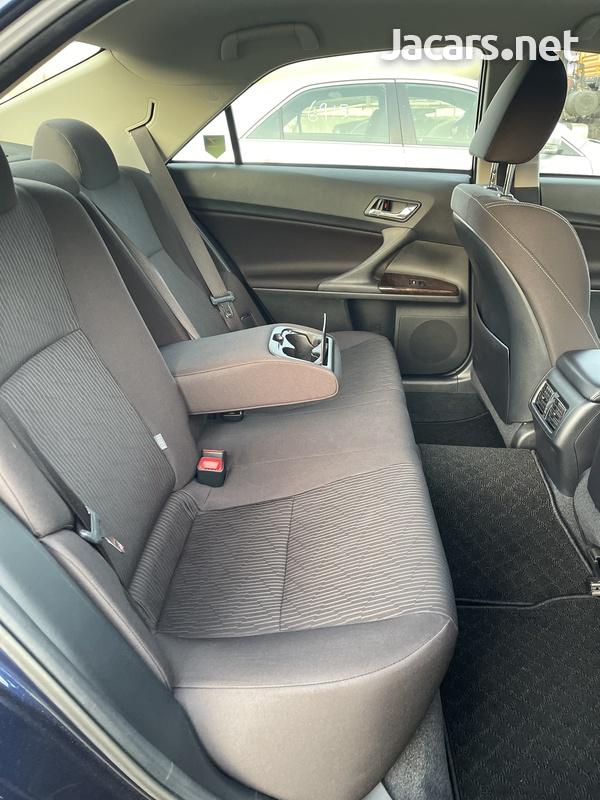 Toyota Mark X 2,5L 2018-9