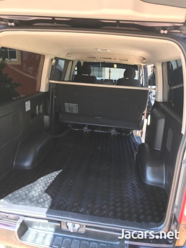 Toyota Hiace 2,5L 2012-7
