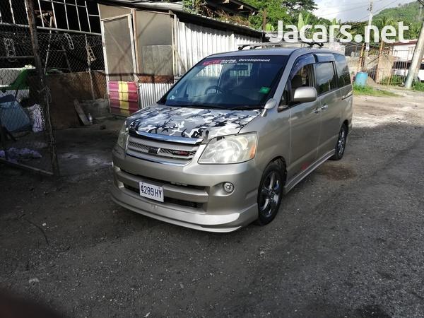 Toyota Noah 2,0L 2006-3