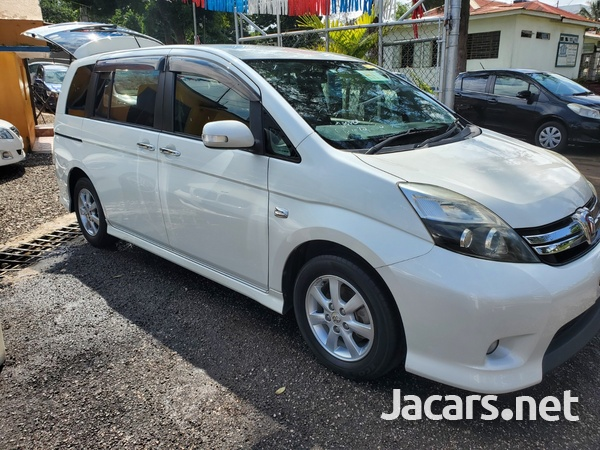 Toyota Isis 1,8L 2012-1