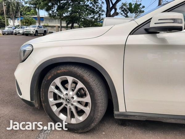 Mercedes-Benz GLA-Class 1,6L 2018-7