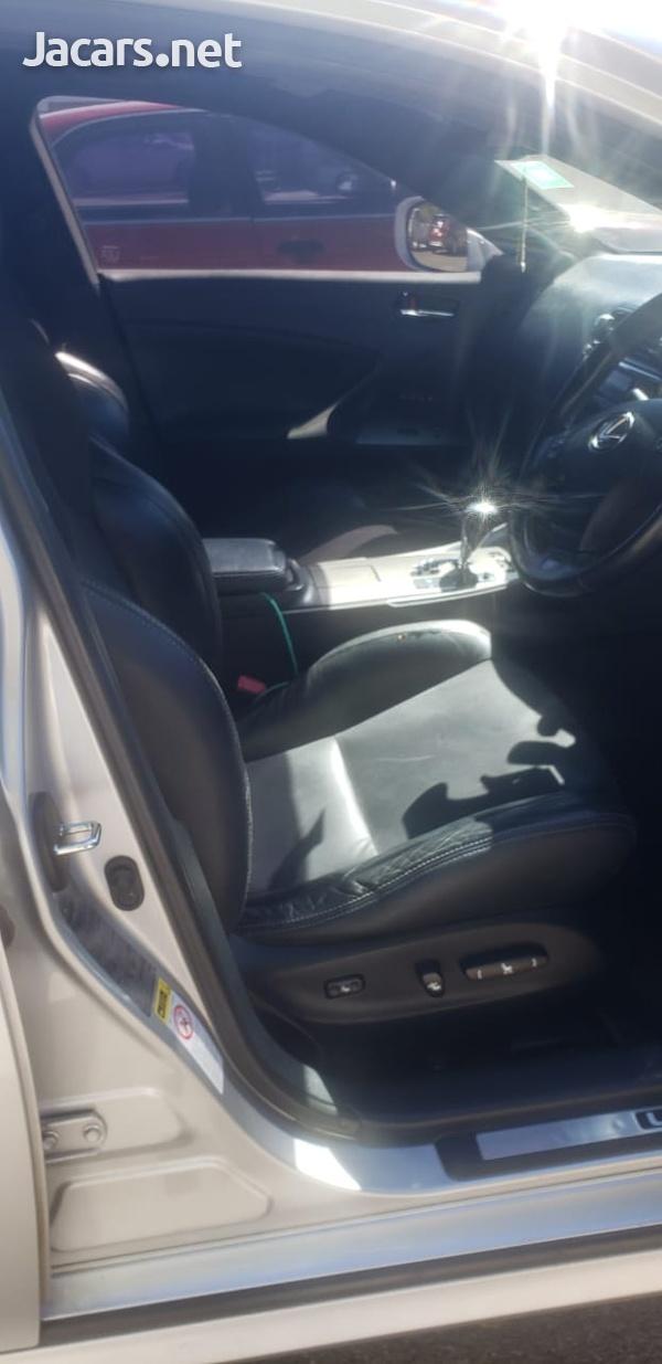 Lexus IS 1,6L 2010-7