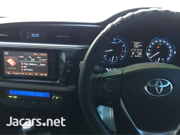 Toyota Corolla Altis 1,6L 2014-7